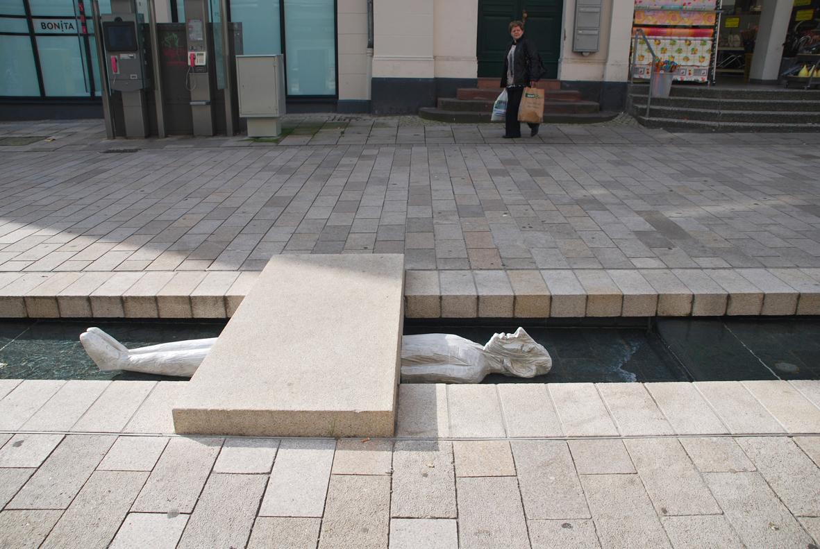 wenn es mich berührt...-10-Brunnenskulptur in Wiesbaden2010